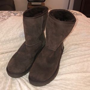 Classic Short Ugg Boots Chocolate Worn x1